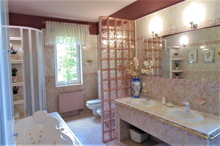 8 Pokoje Pokoje,2 ŁazienkiŁazienki,Domy - rynek wtórny,Sprzedaż,3317
